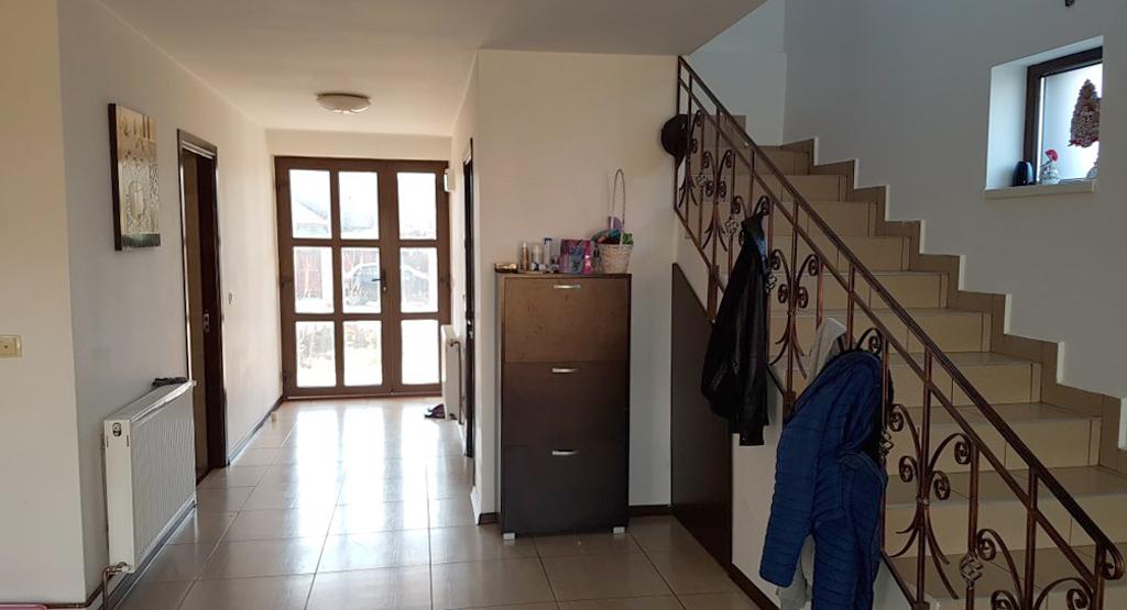 Hol+casa scarii-parter