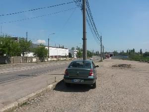 Accesul din strada Mihai Bravu