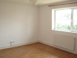 Camera etaj