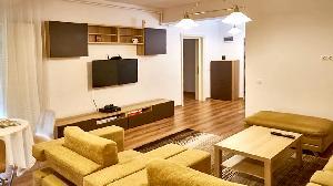Camera de zi+bucatarie (open space)